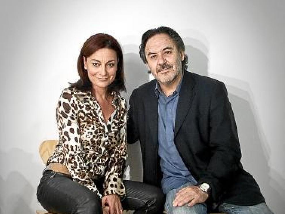 Los actores Silvia Espigado y Santiago Ramos.