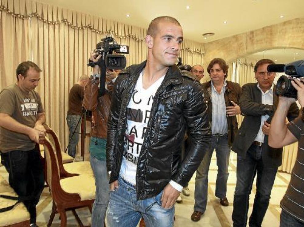 El ex zaragocista Miguel García, poco antes de la rueda de prensa ofrecida ayer en Salamanca.