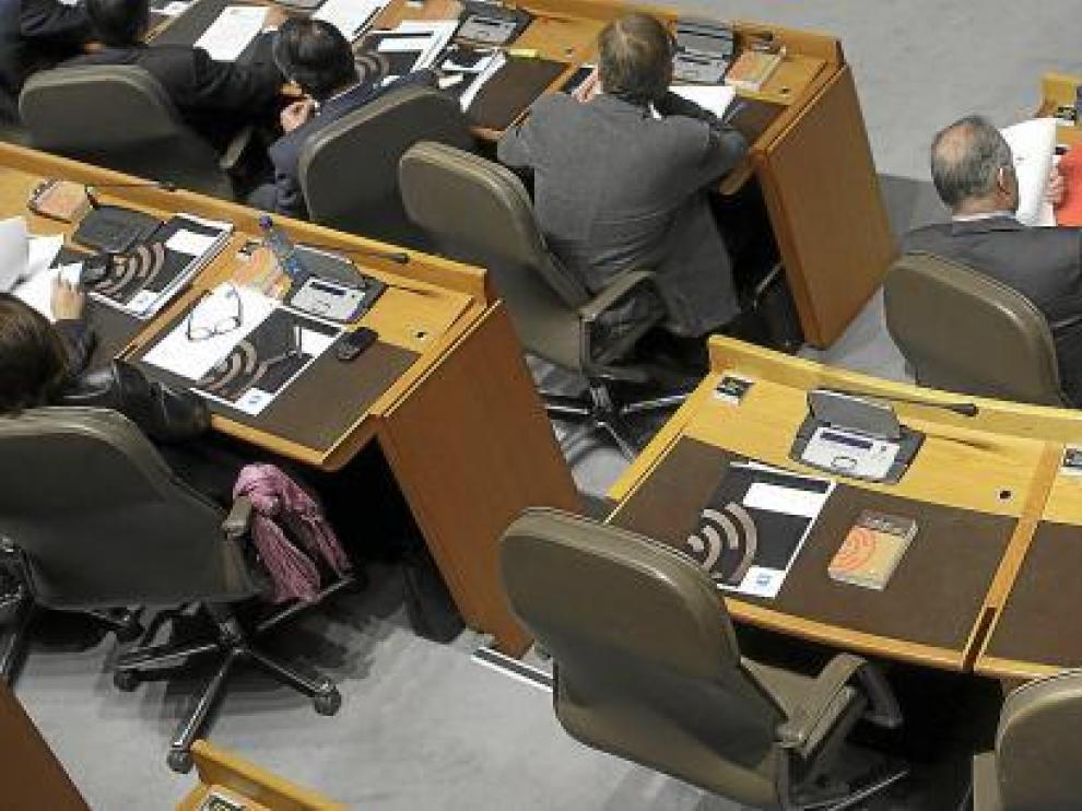 El sillón de Ferrer (primero por la derecha) estuvo vacío toda la sesión plenaria.