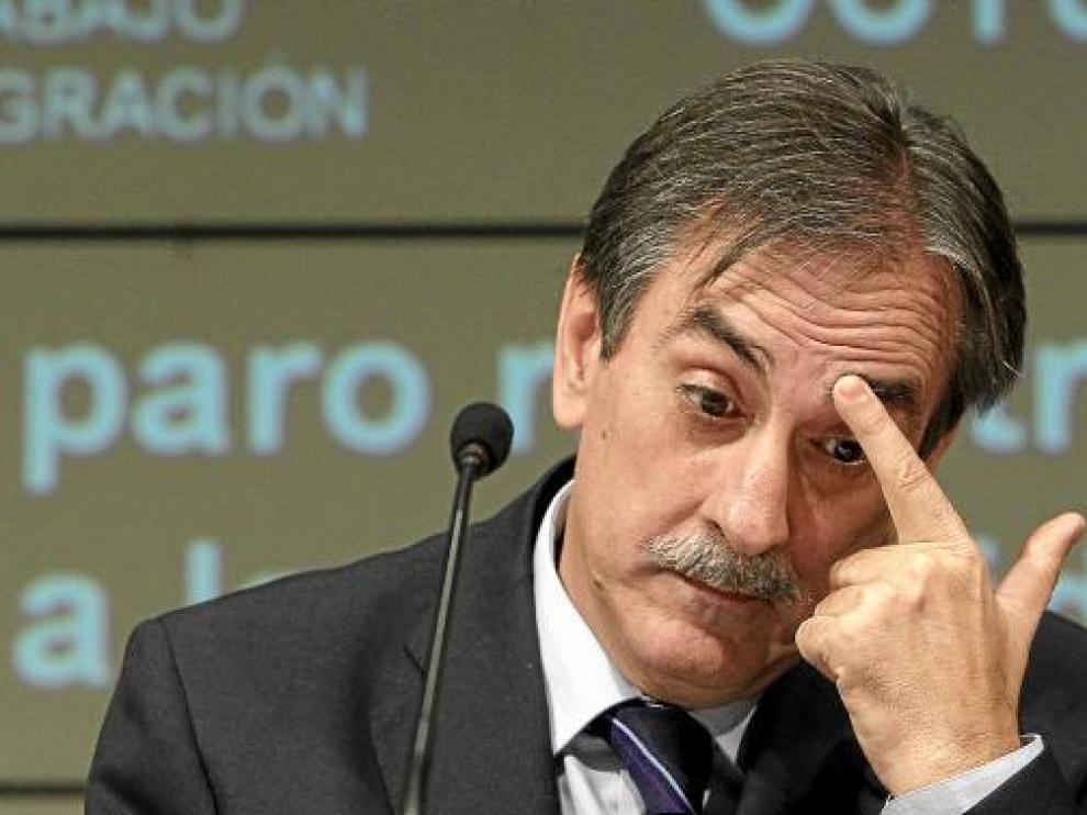 El ministro de Trabajo, Valeriano Gómez, en su última comparecencia.
