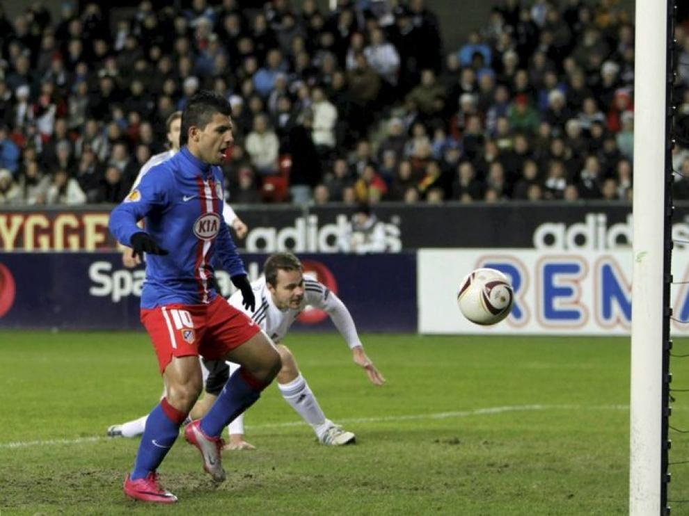 El Kun marcó el primer tanto.