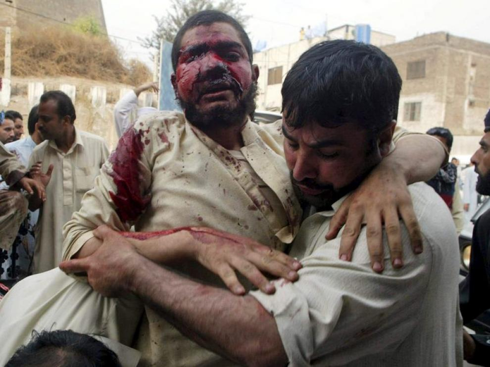 Trasladan a uno de los heridos tras el atentado
