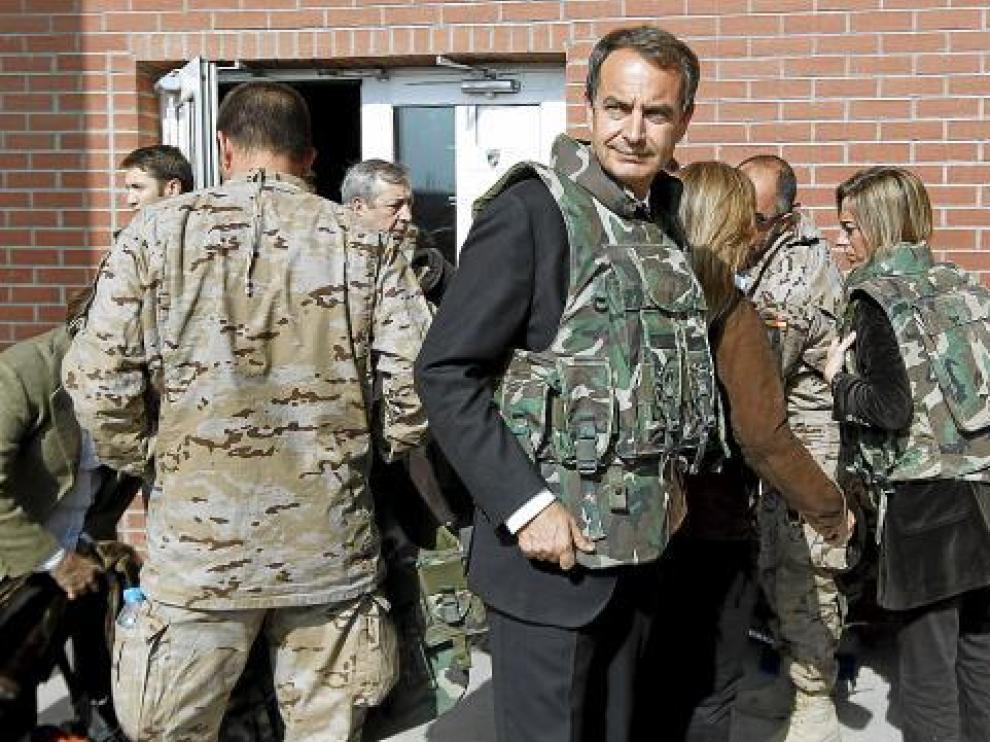 Zapatero, junto a Chacón, en su reciente visita a Afganistán