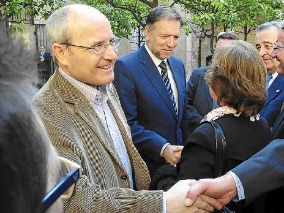 Montilla e Iglesias saludan a los representantes de casas y centros aragoneses en Cataluña.