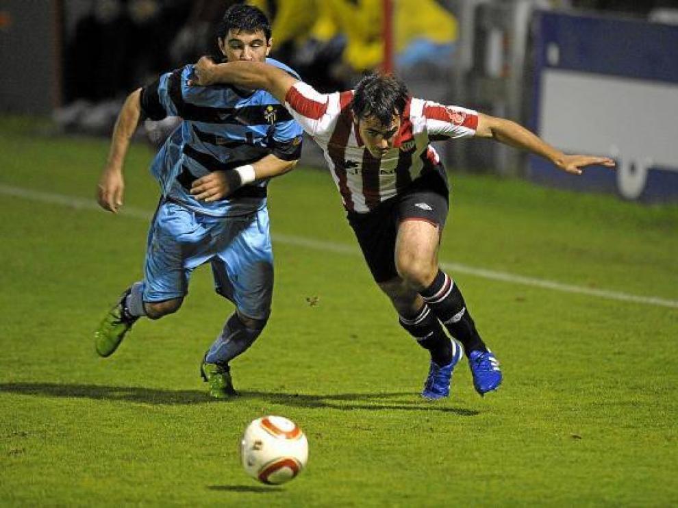 Imagen del partido celebrado ayer en Lezama entre el Athletic y La Muela.
