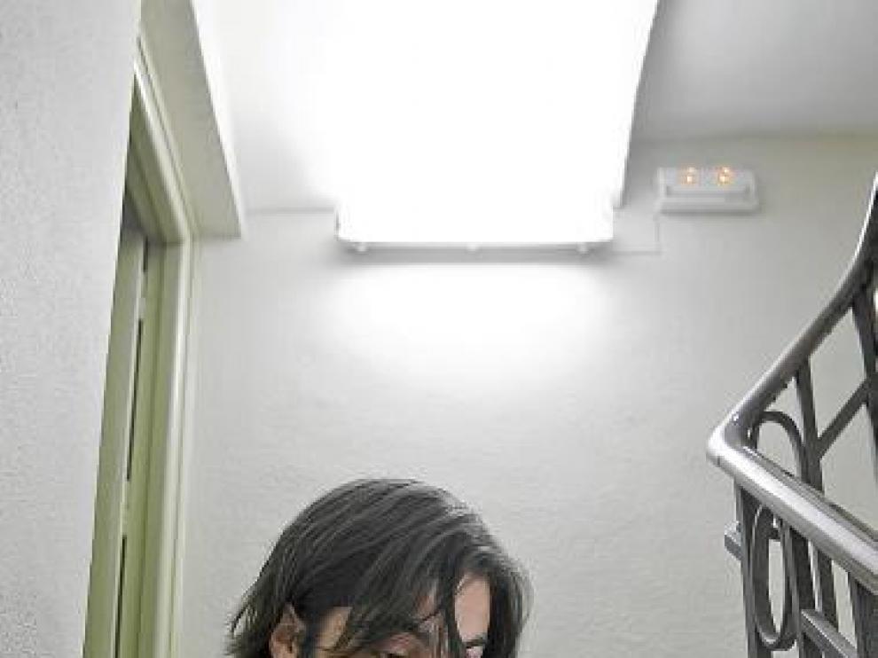 Jaime Angulo está seducido por las ventajas del 'e-book'.