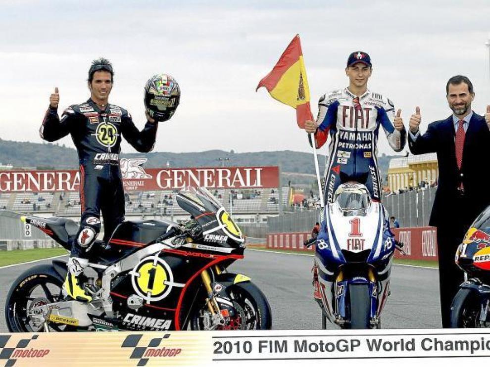 Toni Elías, Jorge Lorenzo y Marc Márquez celebran junto al Príncipe Felipe la consecución de sus títulos mundiales en las categorías de Moto 2, Moto GP y 125 cc.