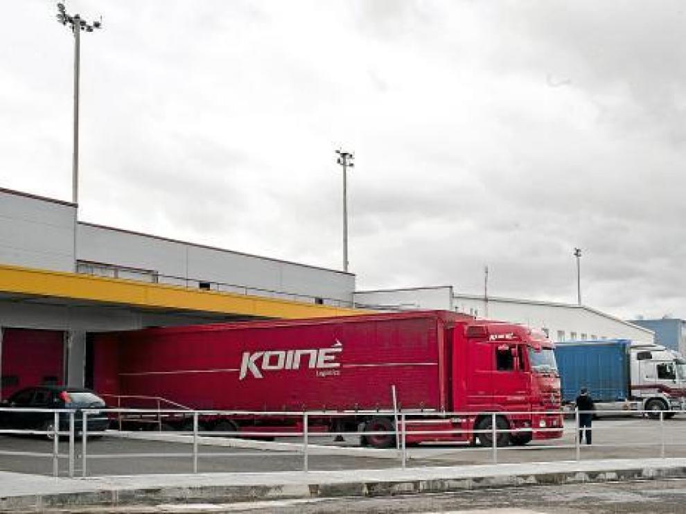 Área destinada al transporte de mercancías en el aeropuerto, ayer por la mañana.