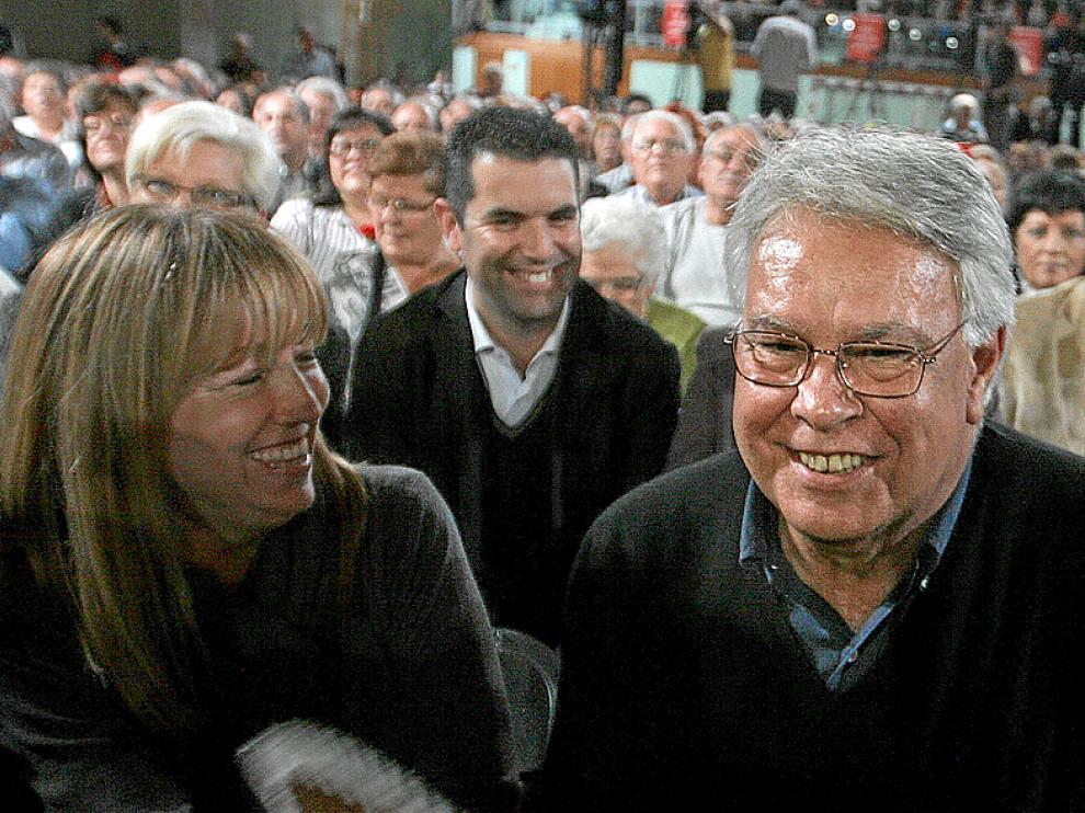 Felipe González y Manuela de Madre, el día 4 en Barcelona.