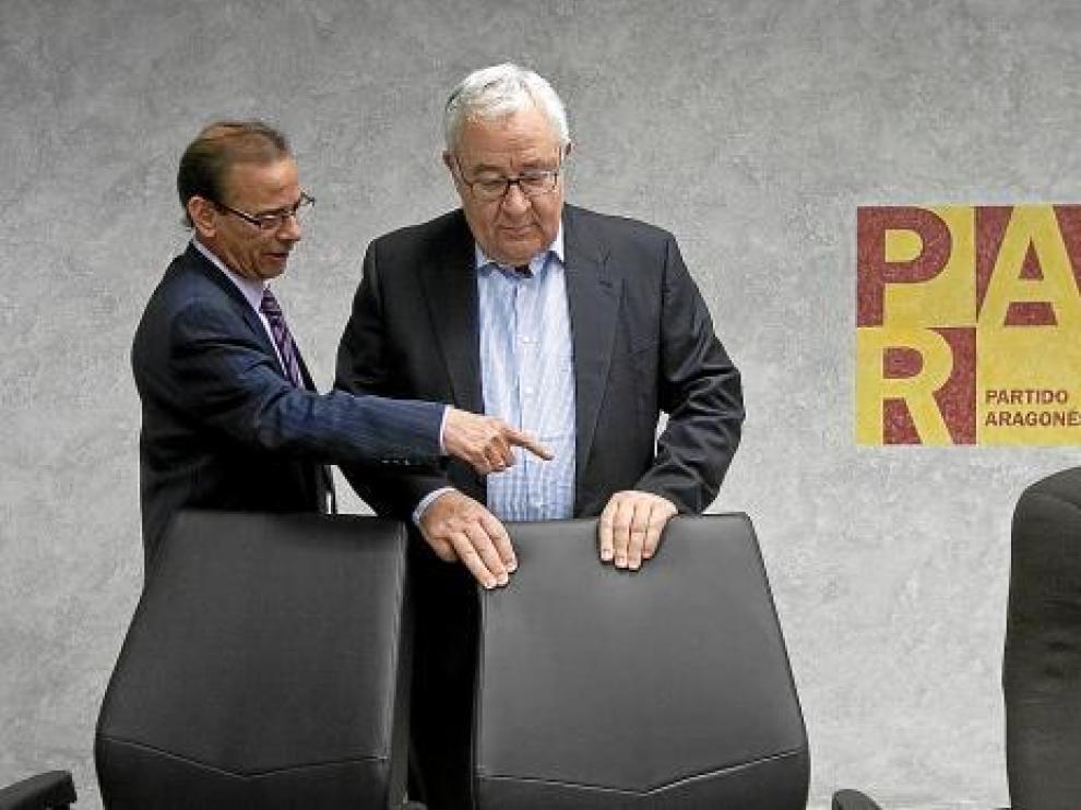 Sanmiguel indica a Biel dónde debe sentarse en el comité intercomarcal de ayer