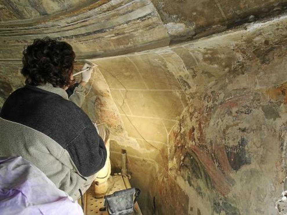 Las pinturas estaban cubiertas por una capa pictórica que imitaba el despiece de las piedras.