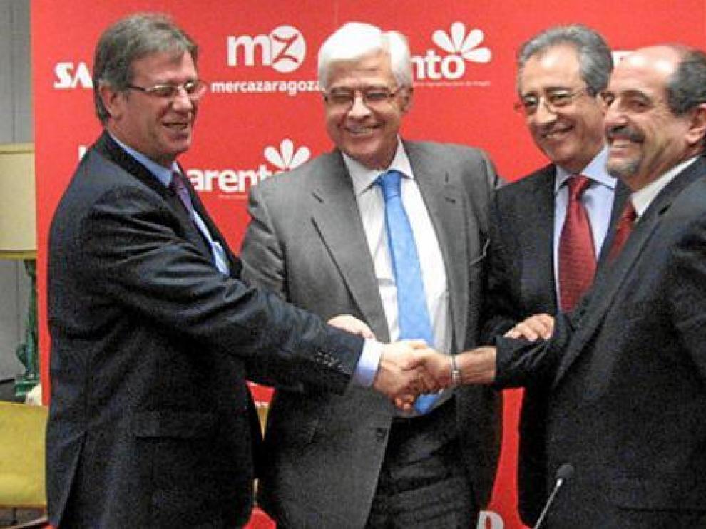 De izda. a dcha., Pedro Naudín, Gonzalo Arguilé, Constancio Ibáñez y Gilbert Infantes, tras sellar la alianza.