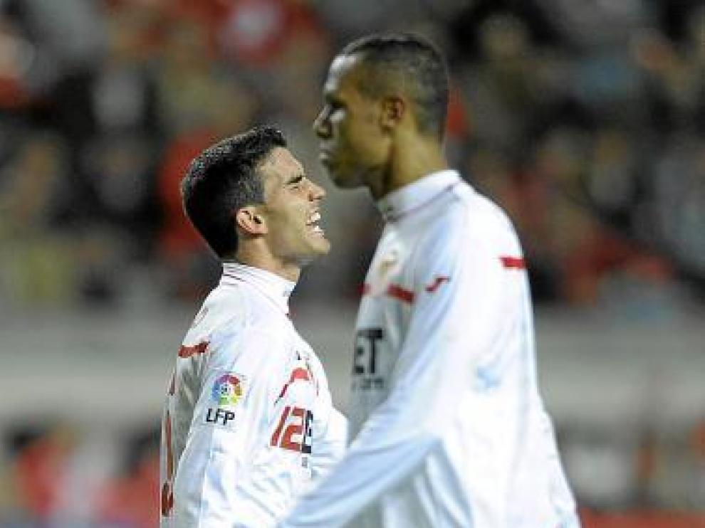 Luis Fabiano y Alfaro, en la derrota frente al Sporting.