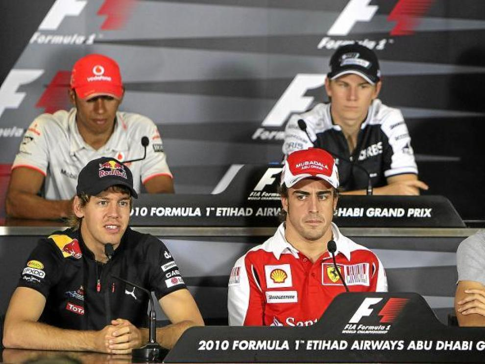 Los aspirantes al título centraron la atención de la rueda de prensa de ayer en el circuito de Yas Marina.