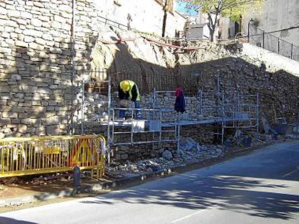 Trabajos de reparación del muro.