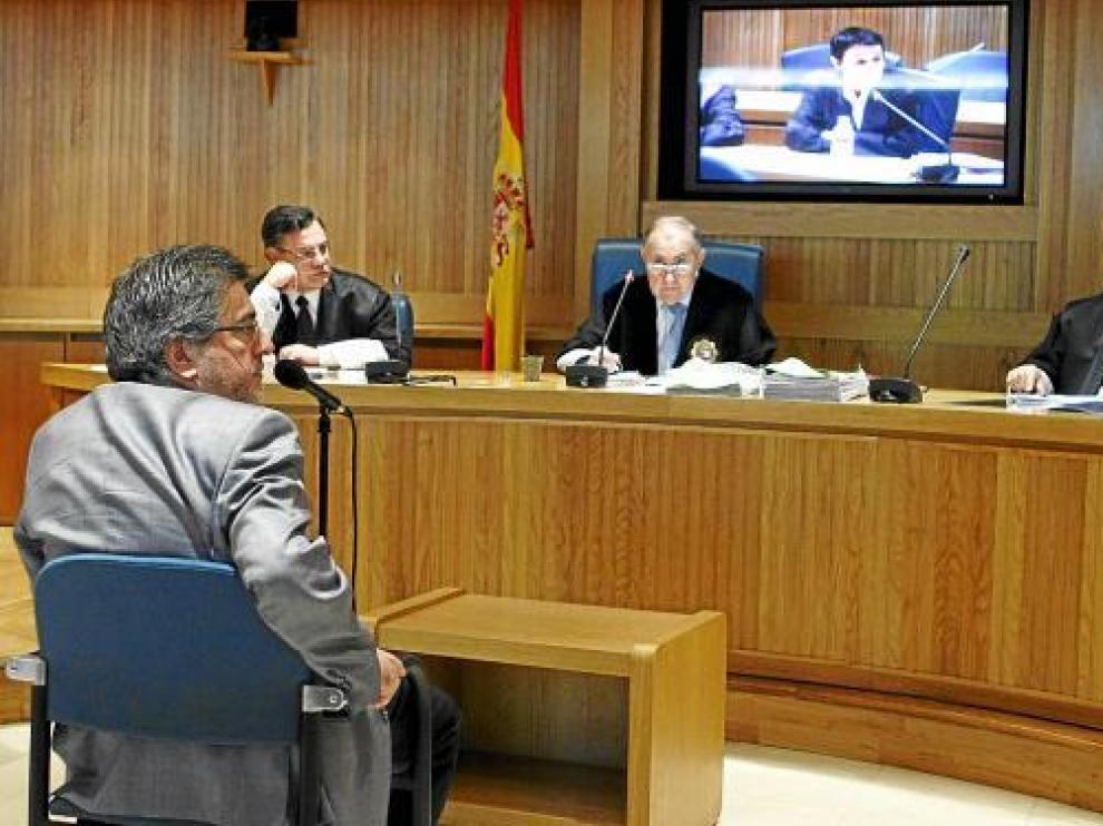 El presidente del PSE, Jesús Eguiguren, ayer durante su declaración como testigo.