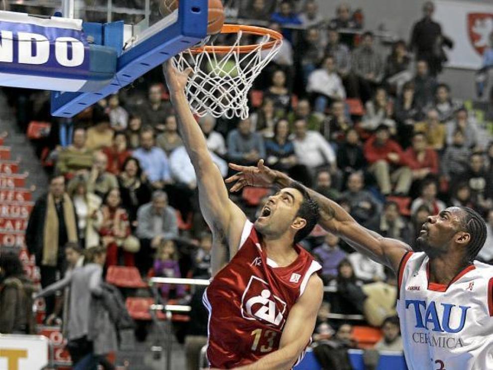 Una imagen del partido entre aragoneses y vitorianos de hace dos temporadas.