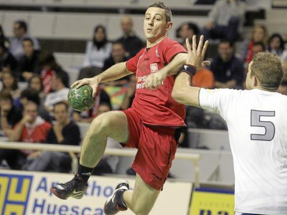 Álex Álvarez, en la imagen en el último partido que disputó en el Palacio, firmó ayer 12 tantos.