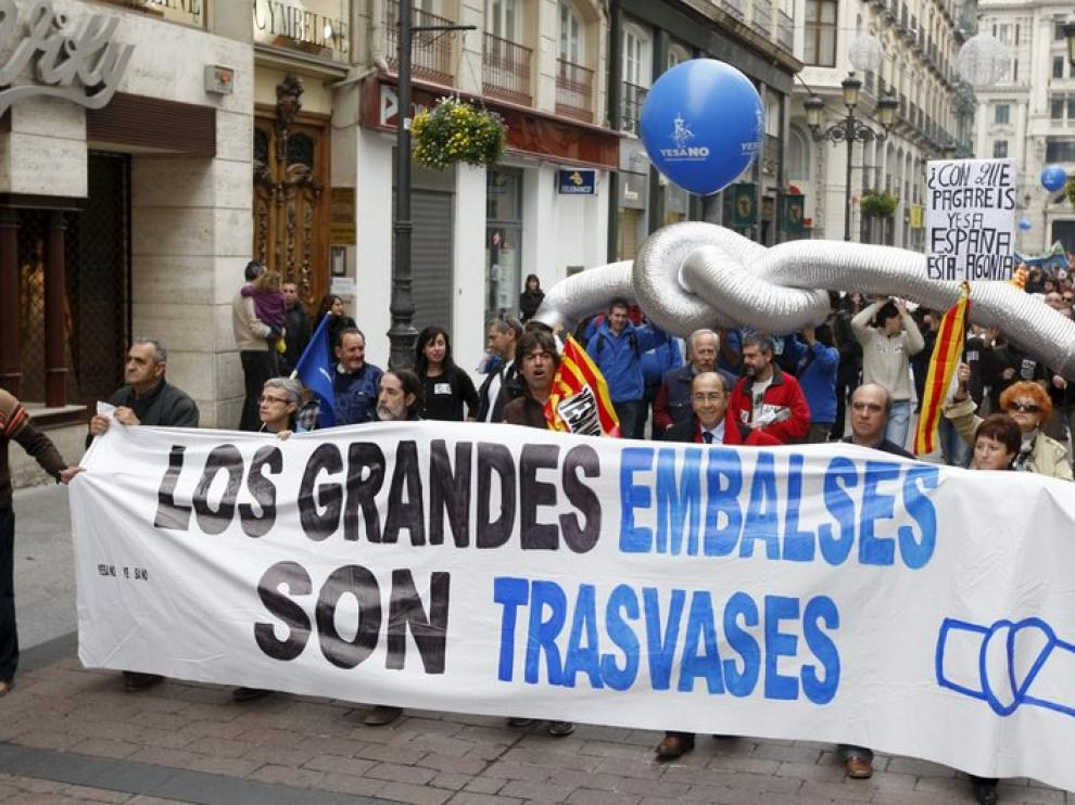Manifestación en Zaragoza contra el recrecimiento de Yesa