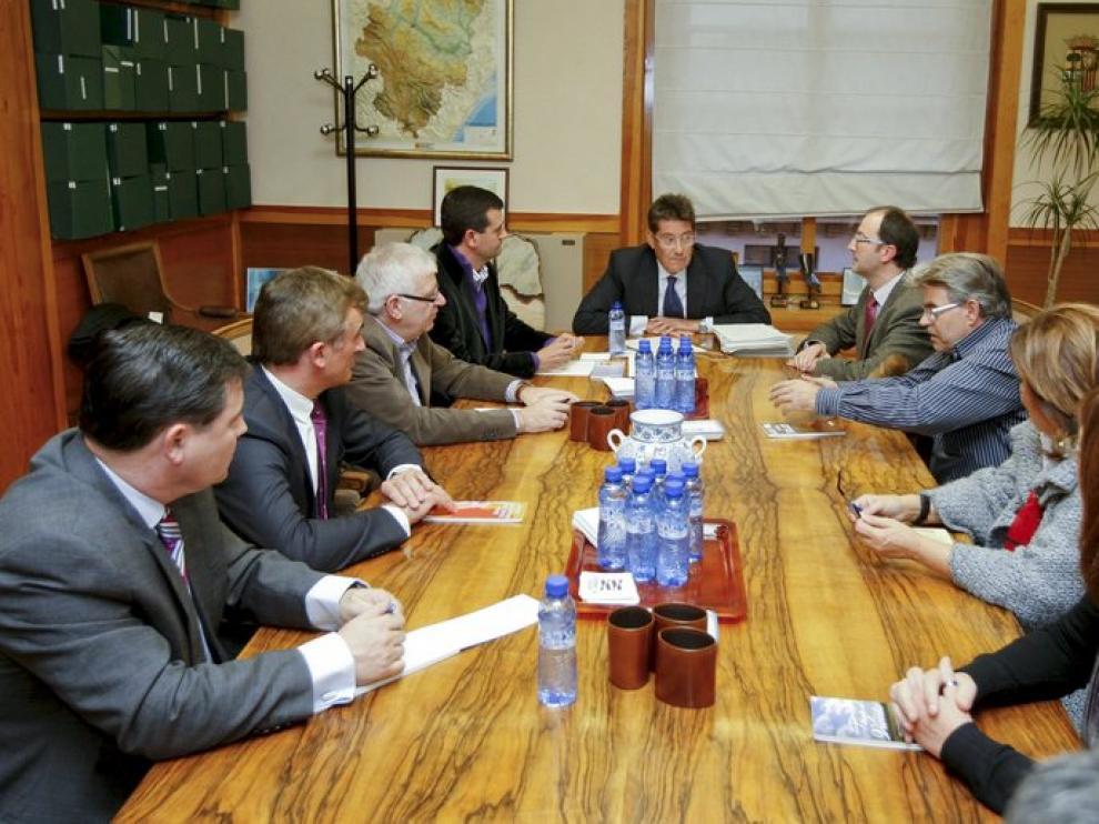 Reunión de Aliaga con representantes municipios mineros.