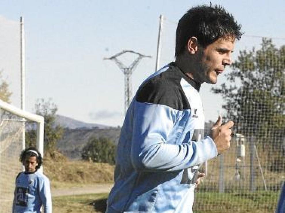 Echaide, ayer, realiza carrera continua en el Montearagón.
