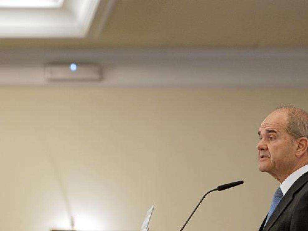 El vicepresidente tercero del Gobierno, Manuel Chaves, ayer.