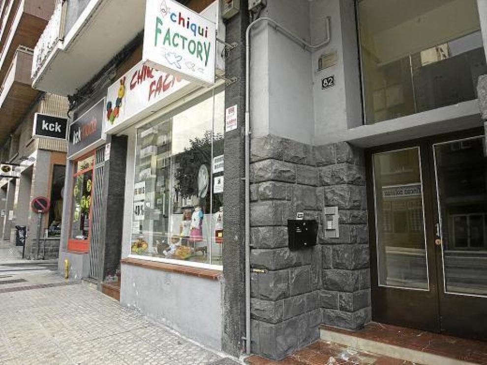 La víctima fue hallada muerta en agosto en su piso del número 82 de la calle de Serrablo.
