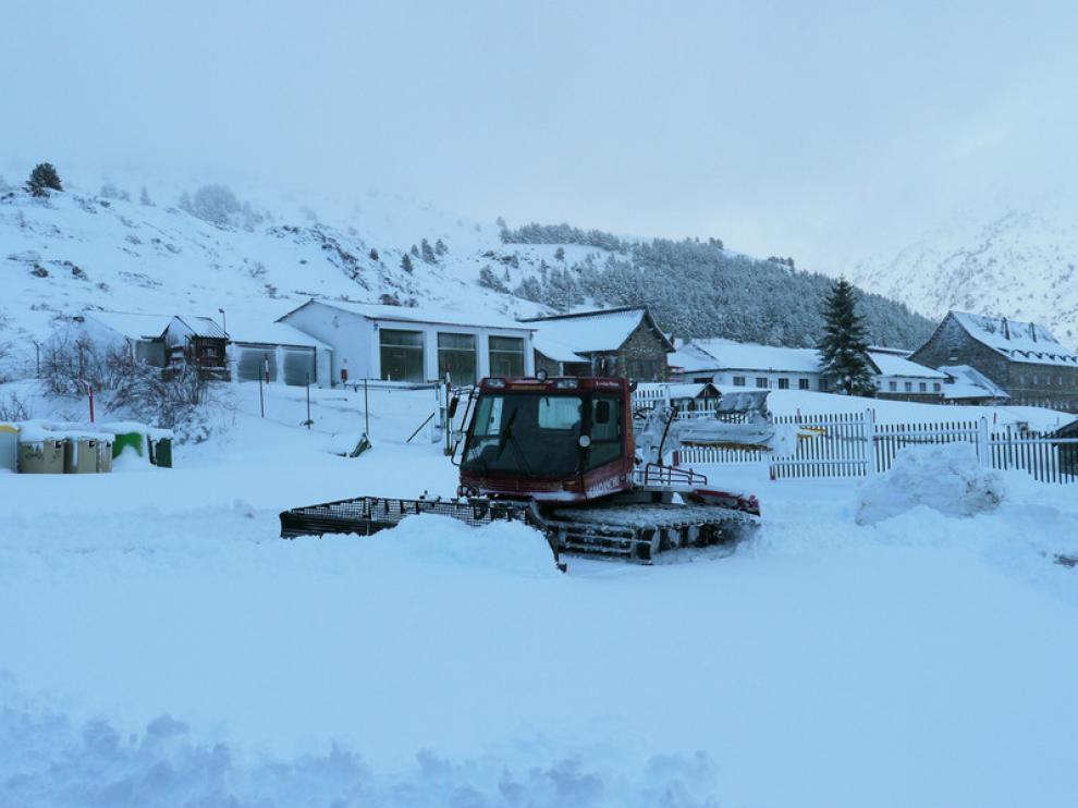 La estación de esquí de Candanchú acumula ya una buena cantidad de nieve
