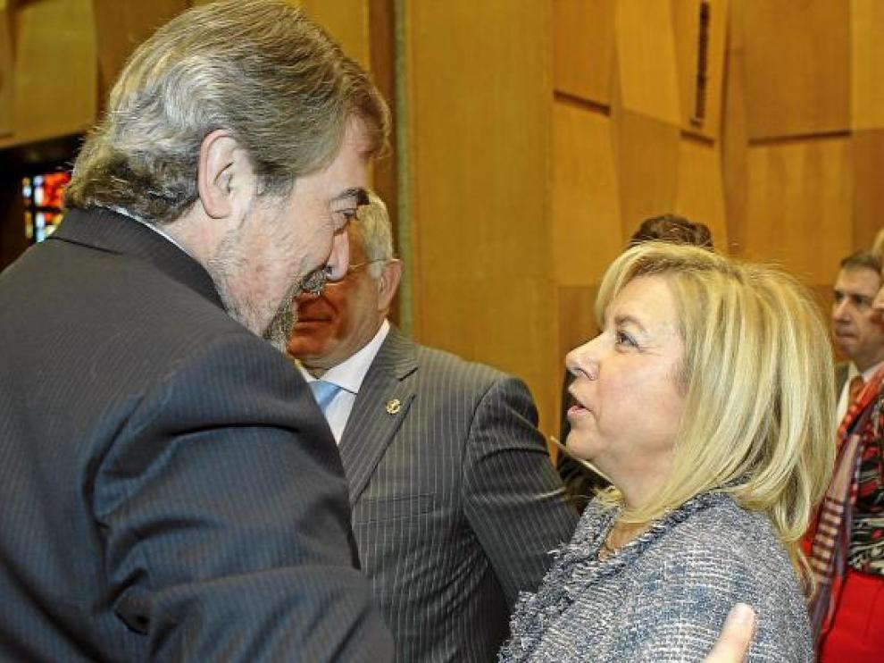 Dolores Serrat, junto a Juan Alberto Belloch