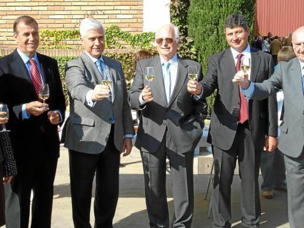Imagen de una de las fiestas con su impulsor, el desaparecido J. A. Lacoma (segundo por la derecha).