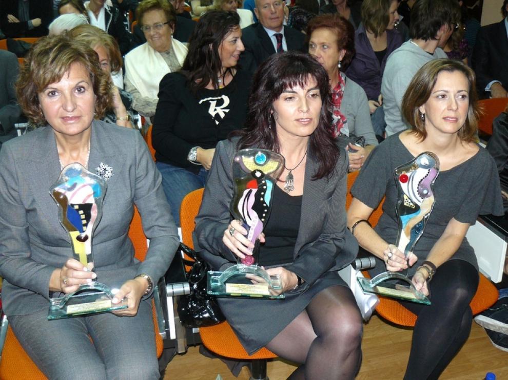 Las premiadas Ana Gallizo, Raquel Herrero y Myriam Monterde.