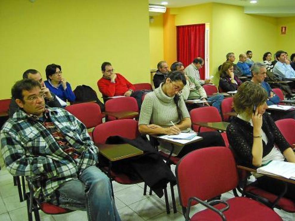 Algunos de los asistentes a la reunión celebrada ayer en Monzón.