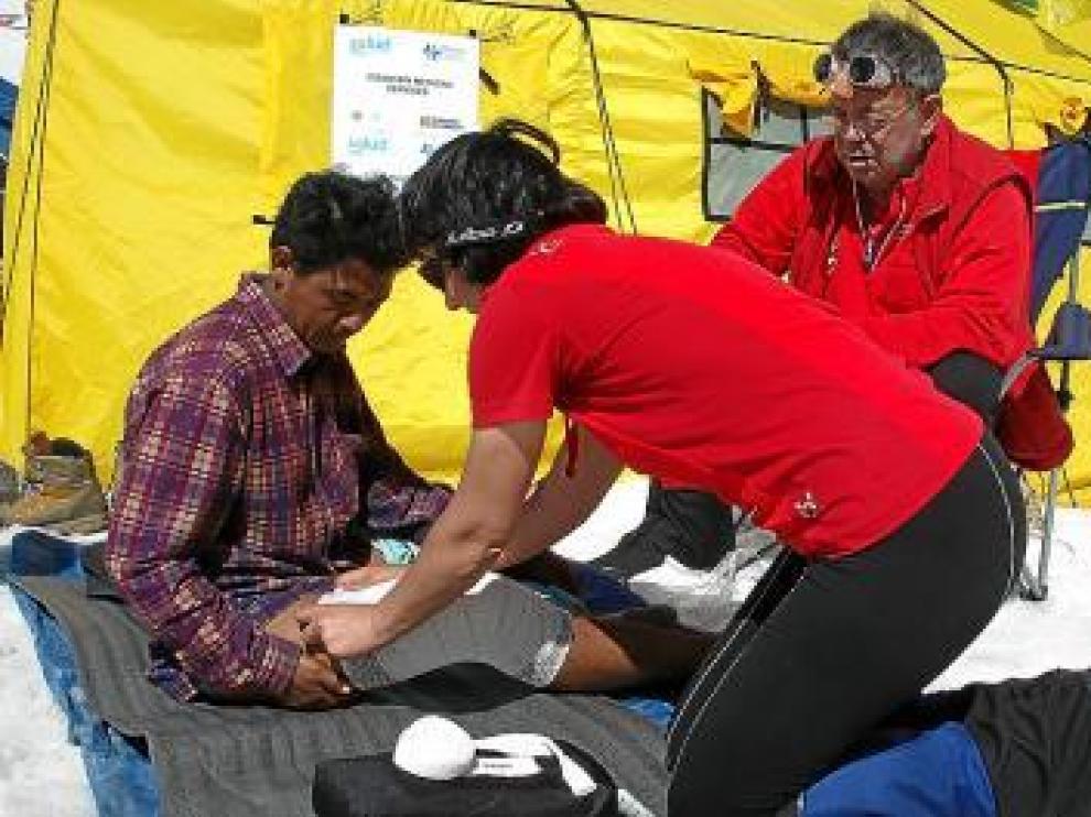 Morandeira, a la derecha, ponente y experto en montañismo.