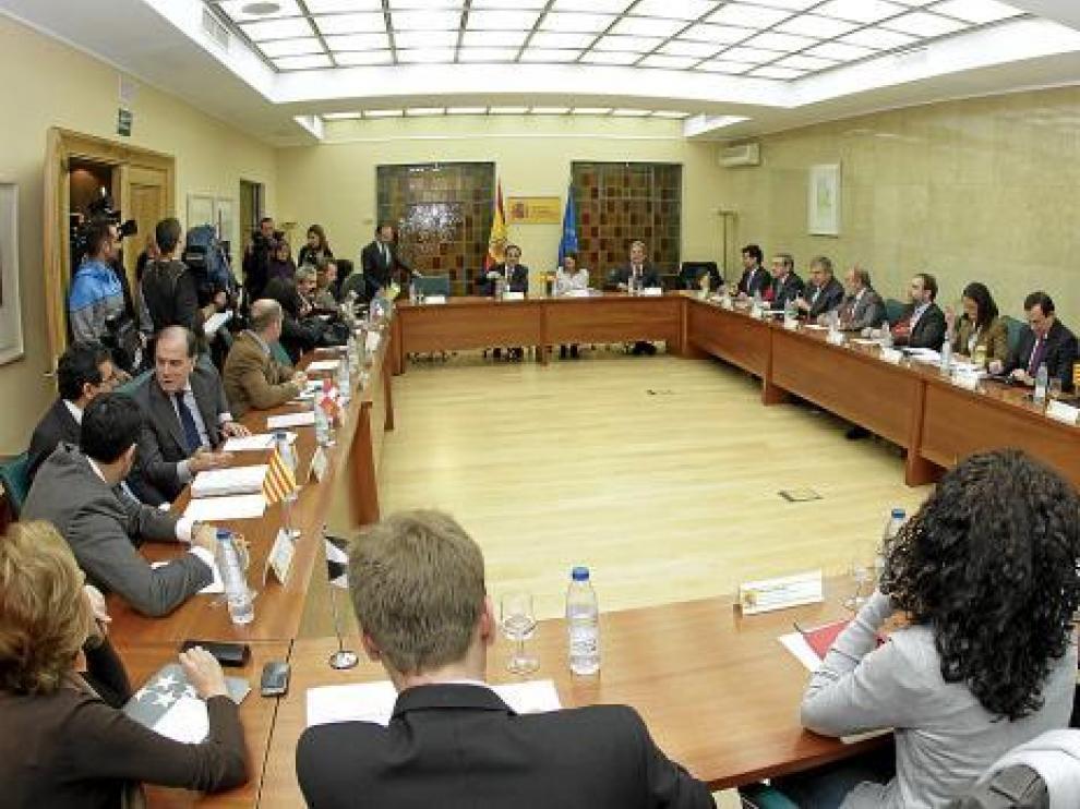 Valeriano Gómez se reunió ayer con representantes de las comunidades autónomas.
