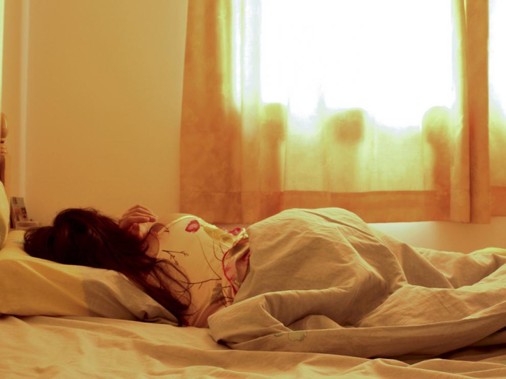 La enuresis puede provocar en el niño retraimiento social, baja autoestima, falta de motivación y fracaso escolar, entre otros.