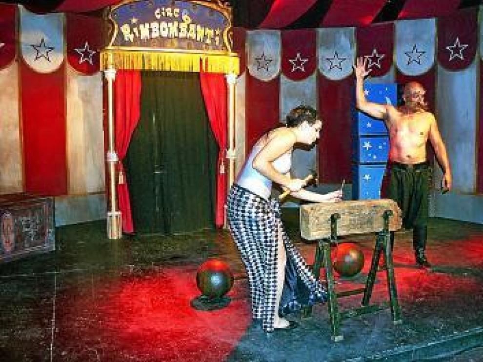 El 'Circo Rimbombanti' de Firewalk Theatre.