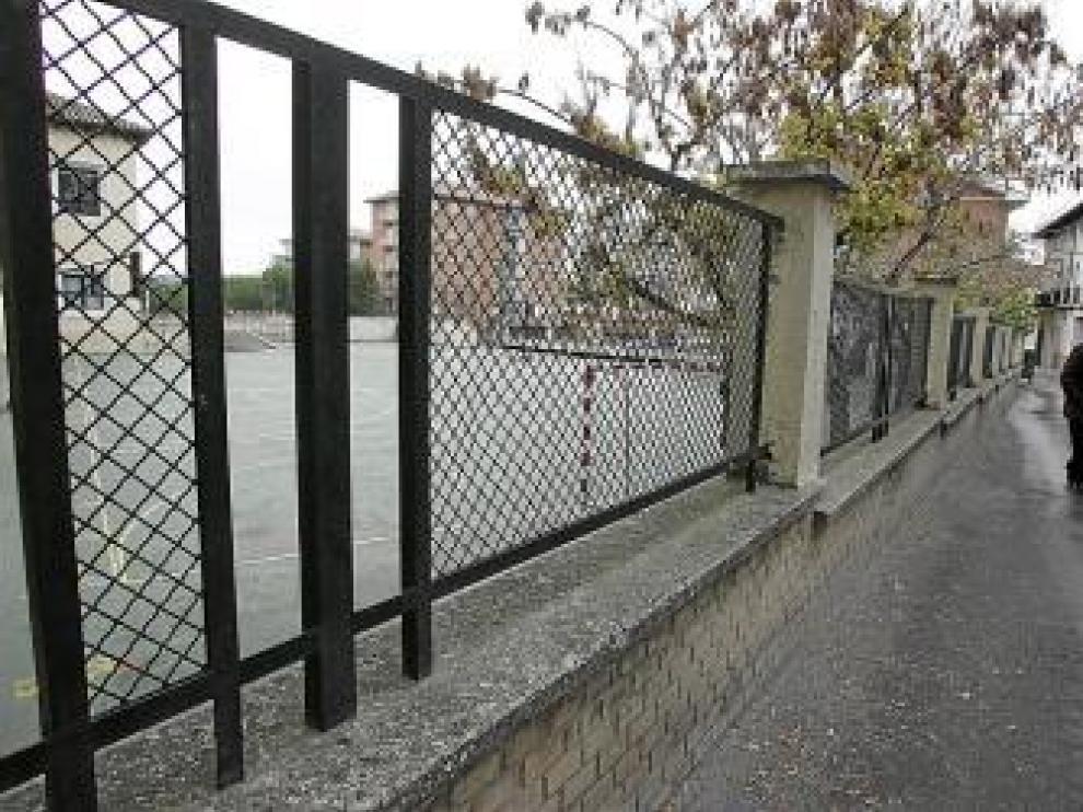 En algunos tramos la valla resulta accesible.