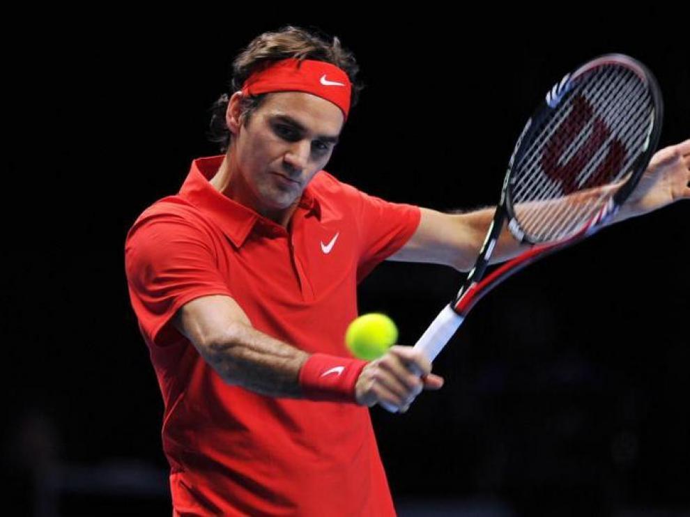El suizo Roger Federer, durante el partido contra David Ferrer en el O2 Arena de Londres.