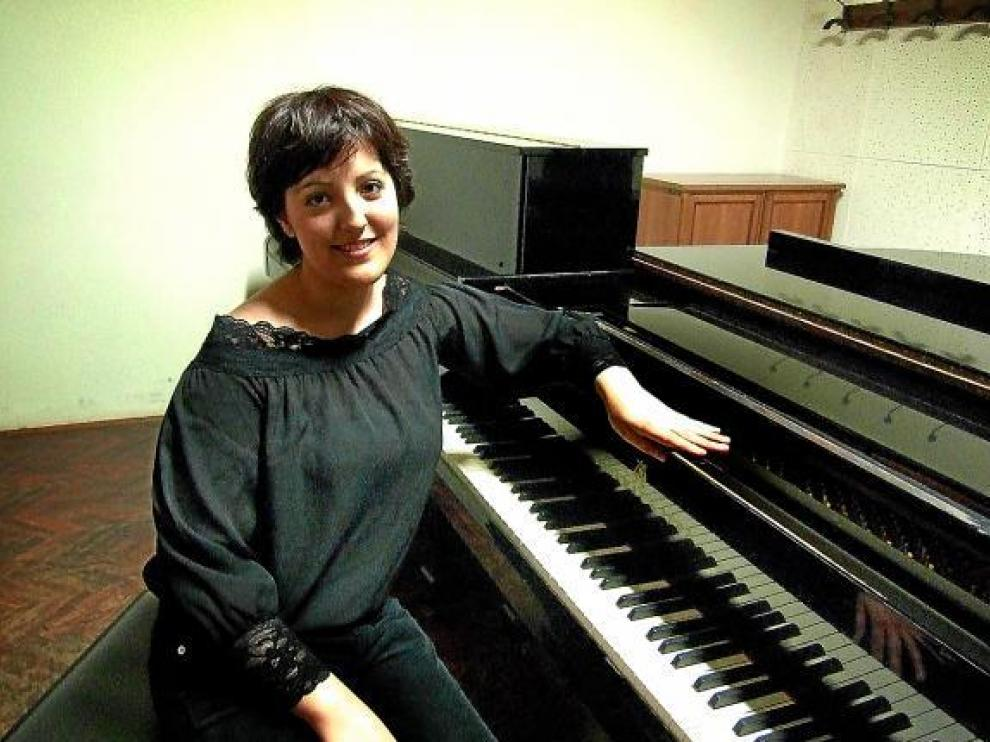 Sara Cayero, inseparable de su piano. En Zaragoza o en Venecia, su último destino.
