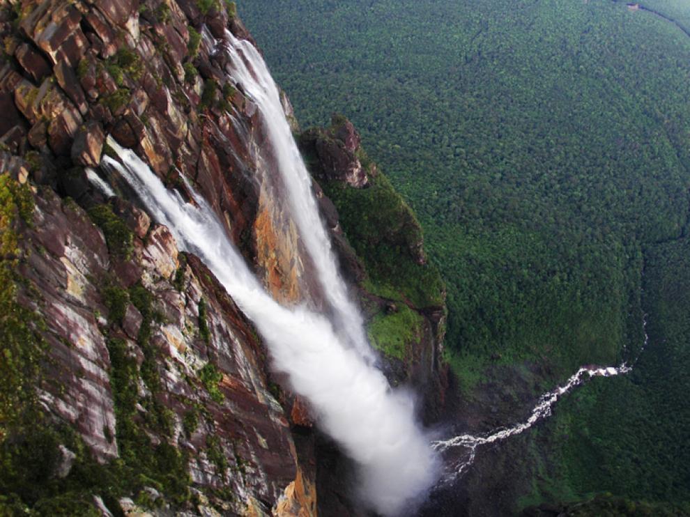 Salto del Ángel, río Amazonas en Venezuela