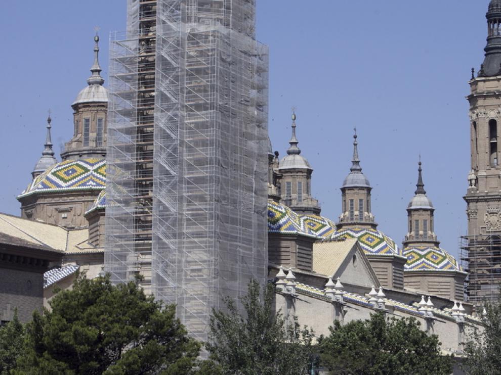 Segunda torre del templo del Pilar, que ahora está en rehabilitación, en colaboración  con José de Yarza Echenique