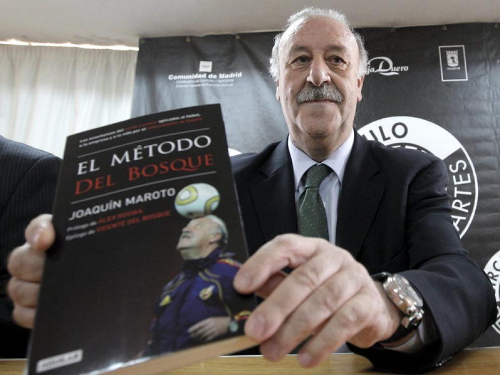 El técnico presenta el libro 'El método Del Bosque'.