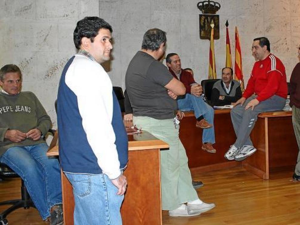 Los trabajadores de Pelbor mantienen un encierro en el Ayuntamiento para reclamar soluciones.