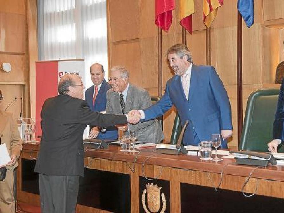 Belloch condiciona todo el presupuesto a su partida de 300.000 euros para grandes proyectos