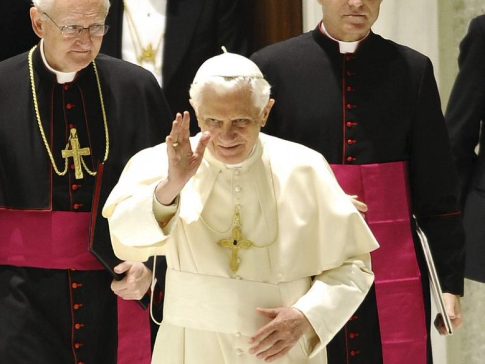 El Papa Benedicto XVI, ayer, en una misa con los cardenales, en el Vaticano