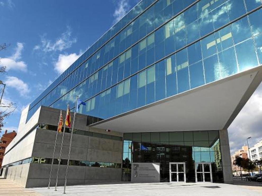 En el nuevo edificio, sito en el número 13 de la avenida Pirineos, trabajarán 175 funcionarios.