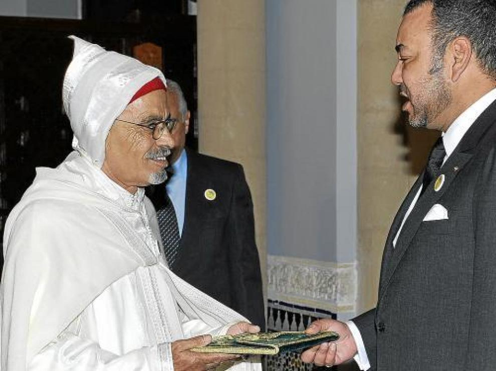El rey de Marruecos acredita a Uld Suilem como nuevo embajador en España, ayer en Rabat.
