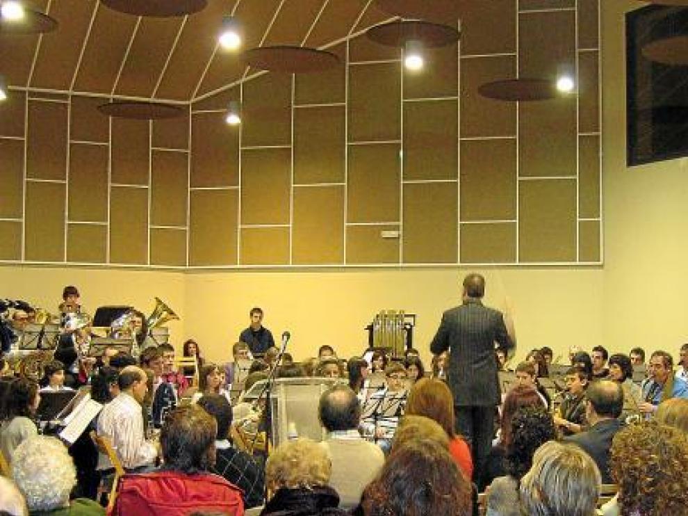 El concierto inaugural de la Caja de Música contó con una amplia participación.