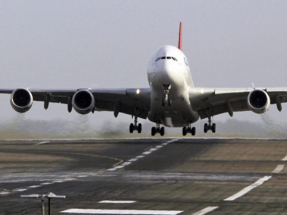 Primer vuelo, tra el accidente, del Airbus A-380