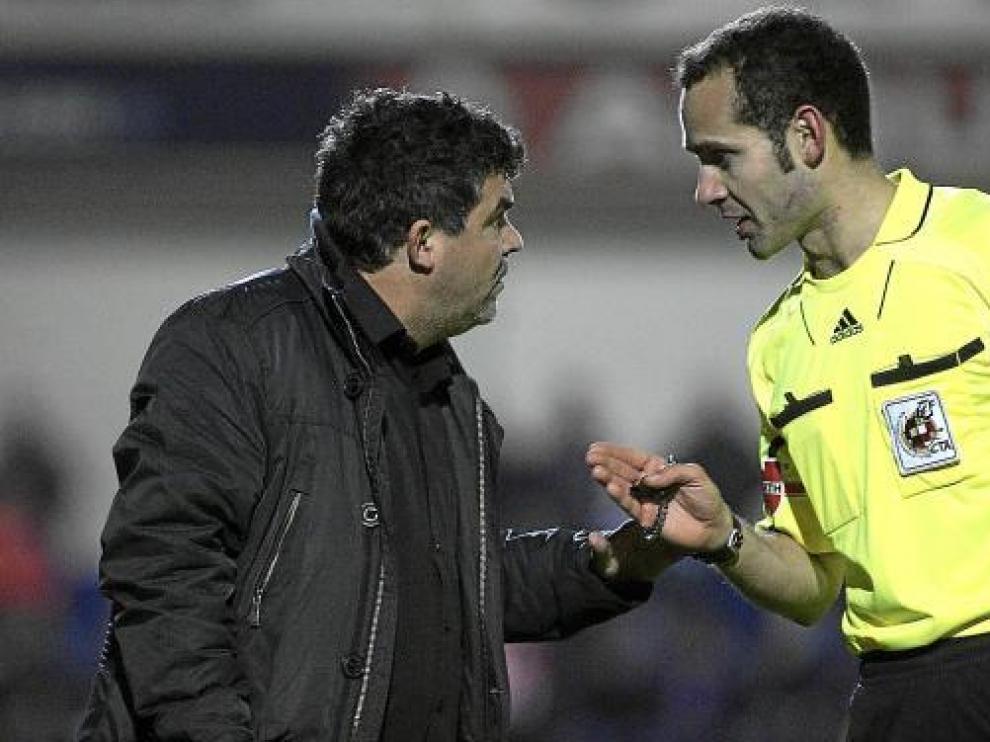 Ónesimo Sánchez dialoga con Melero López.